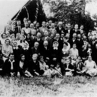 A konferencia résztvevői között Kardoskúton 1933-ban